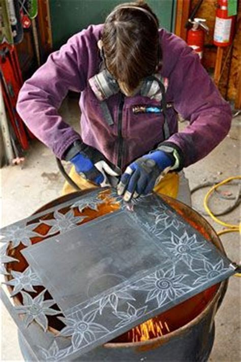 artist   cutting torch  produce fine metal