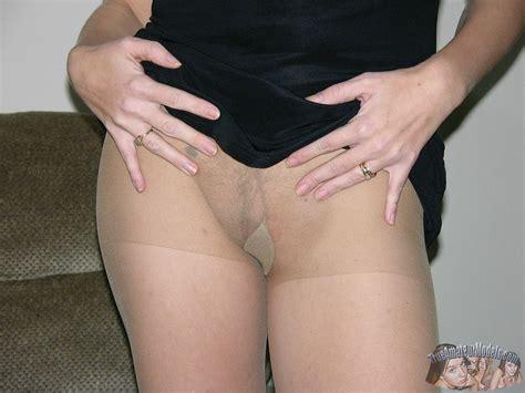 Pantyhose Hairy Pussy Shaving Model Leslie Trueamateurmodels Com
