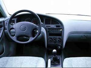 2003 Hyundai Elantra Owners Manual