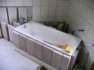 Badewanne Einbauen Anleitung : badewanne fliesen so wird 39 s gemacht ~ Markanthonyermac.com Haus und Dekorationen