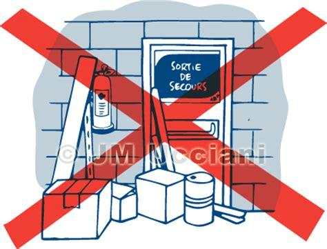 pas de la porte jm ucciani dessinateurne pas encombrer la porte de secours