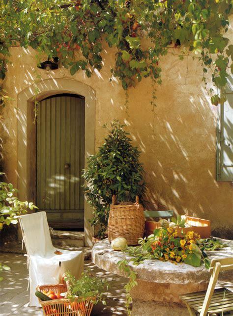 Notre Maison De Famille, Près De Saintrémy De Provence