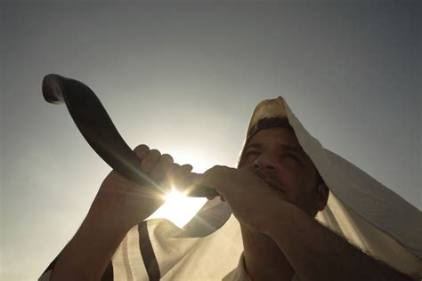 yom kippur significance facts traditions history