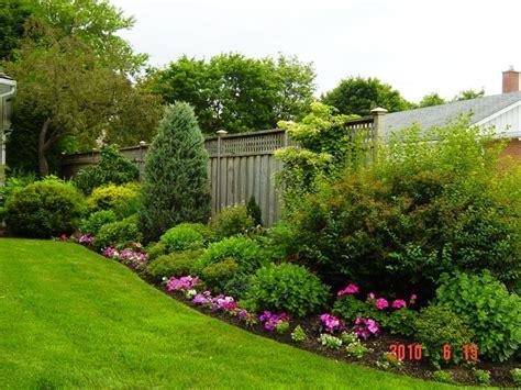 jardines frontales  flores  decoracion de interiores