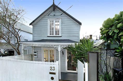 grey blue nz villa home ideas cottage exterior colors bungalow exterior exterior