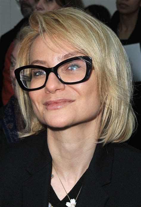 short hairstyles over 50 with glasses hairstyle for