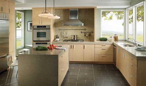 Kitchen Cabinets, Bath Vanities, Bath Vanity Tops, Doors