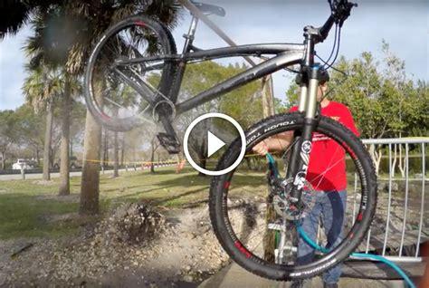 """Seth's Bike Hacks """"how I Wash My Mountain Bikes"""
