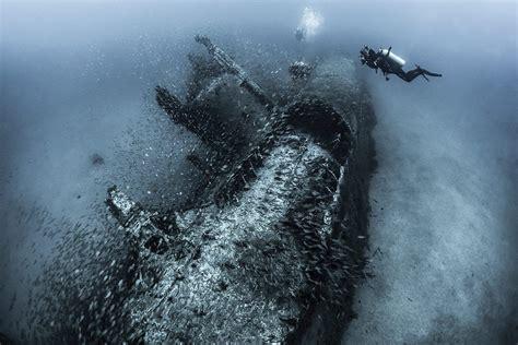 divers tanya houppermans sea underwater deep sea
