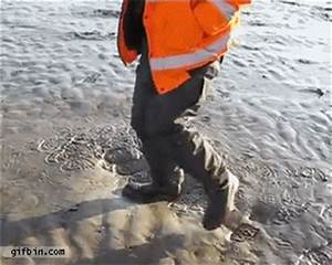 Quicksand GIFs - Find & Share on GIPHY