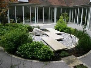 27 calm japanese inspired courtyard ideas digsdigs With deco jardin zen exterieur 5 bambous conception et amenagement de jardins jardins
