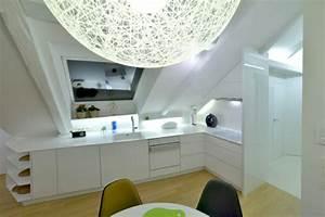 Kleine Dachwohnung Einrichten : dachwohnung einrichten profitieren sie von der farbe wei in allen hinsichten ~ Bigdaddyawards.com Haus und Dekorationen