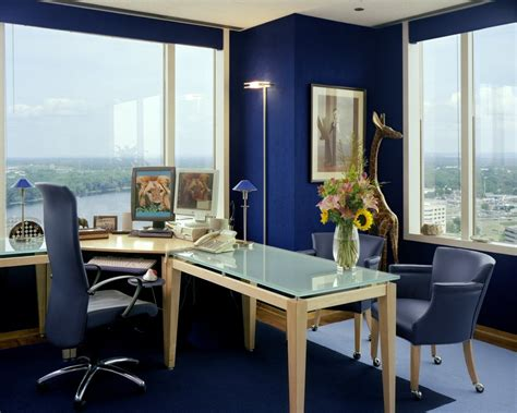 top considerations when decorating your work office