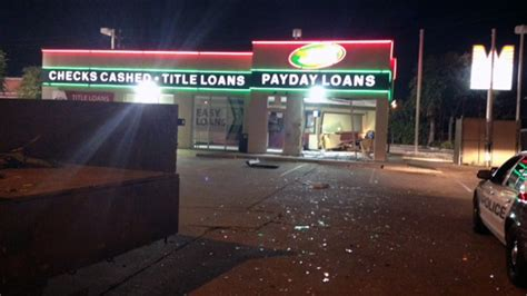 burglars smash  atm  east houston speedy cash