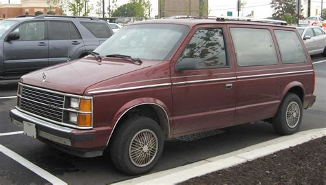 1989 Plymouth Grand Voyager - Information and photos ...