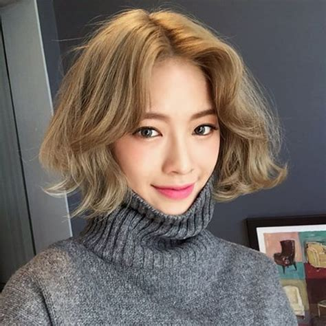 pin  toh  messy short hair asian hair medium hair