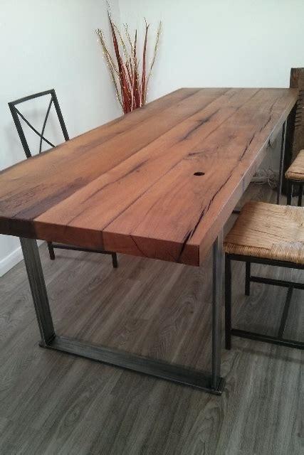 tisch aus altholz altholz bretter balken gehackt bs holzdesign