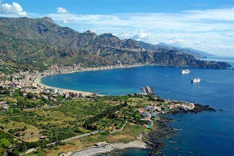 autobus catania giardini naxos vacanze in giardini naxos e taormina la tua vacanza