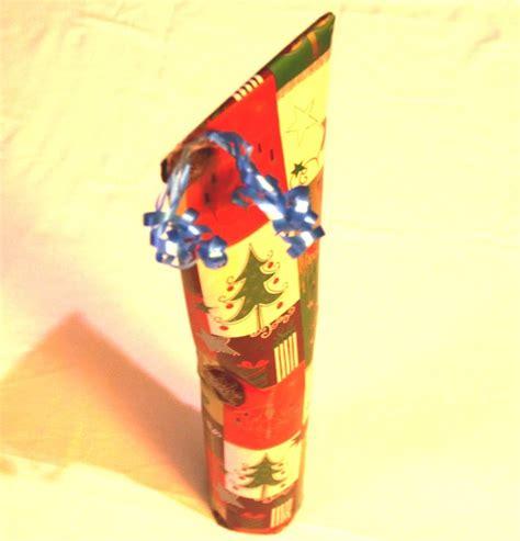 geschenk einpacken anleitung weinflasche als geschenk f 252 r weihnachten richtig einpacken verpacken anleitung tutorial