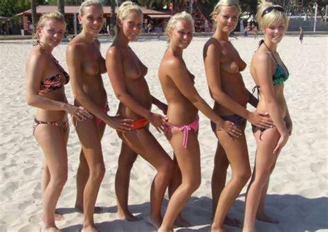 Free Nude Beach Pics