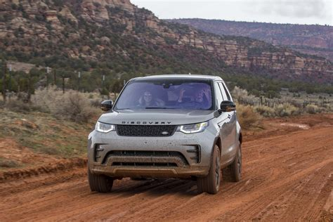 land rover off road 2017 land rover discovery off road 51 motor trend