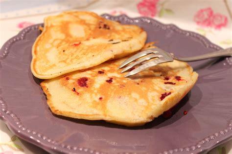 plat rapide a cuisiner crêpes aux pommes et framboises pour ceux qui aiment cuisiner