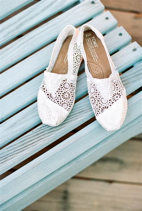 great beach bridal shoes ideas beach wedding tips