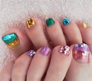 Toe nail designs for christmas