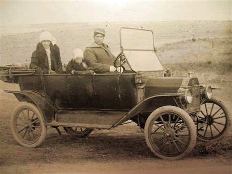 Model T Ford Forum: Old Photo - 1913 Ford Touring Car And ...