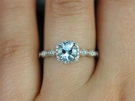 this ring is beautiful and simple enough rosados box