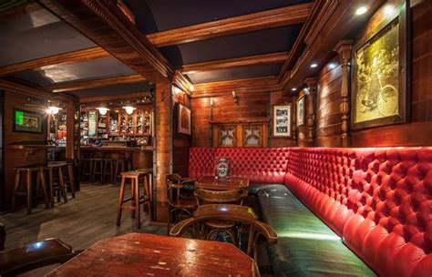 temple bar  picture  temple bar irish pub barcelona tripadvisor