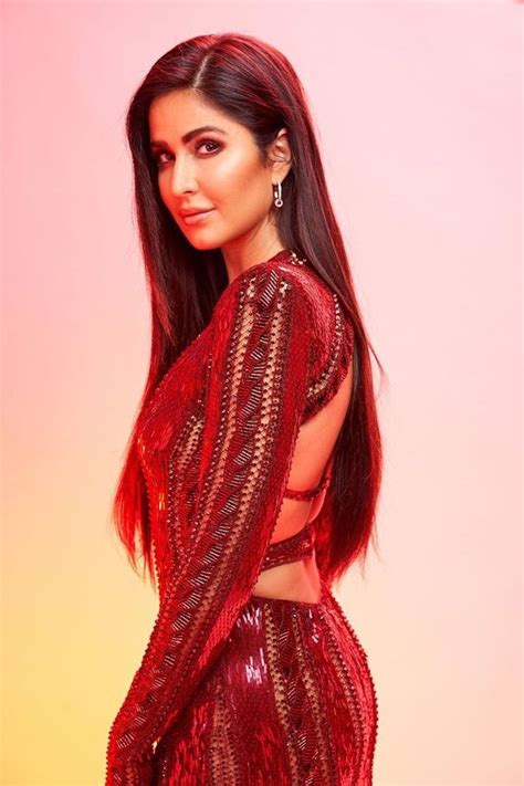 iifa  katrina kaif   sizzling lady  red