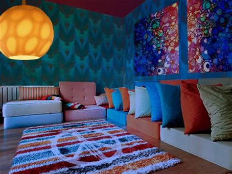 Trippy Bedroom Decor by Psychedelic Room D 233 Cor Ideas Lovetoknow