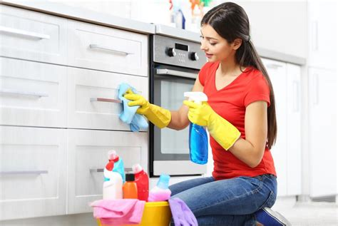kitchen cabinet cleaning effective cabinet cleaning tips international 2409