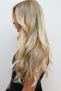 Balayage Cheveux Bouclés : id e coiffure description couleur blonde cheveux longs ~ Dallasstarsshop.com Idées de Décoration