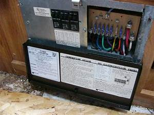 Power Converter 32 Amp Model 6332 With Battery Charger