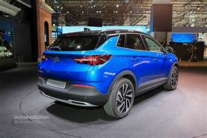 Opel Grand Land X : opel grandland x insignia gsi and country tourer bow in frankfurt autoevolution ~ Medecine-chirurgie-esthetiques.com Avis de Voitures