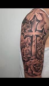 Kreuz Tattoo Oberarm : best 25 realistic bird tattoo ideas on pinterest barn swallow tattoo bird drawings and ~ Frokenaadalensverden.com Haus und Dekorationen