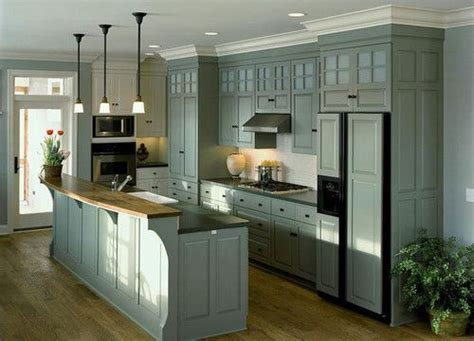 how to paint kitchen cabinet these look like 9 foot ceilings to me i like the cabinet 7309