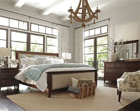 Hindell Park Bedroom By Ashley Furniture Vintage Casual