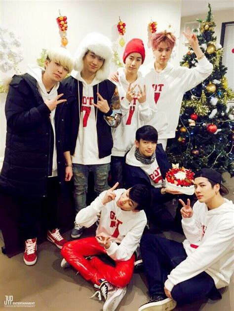wishing  happy holidays allkpop forums
