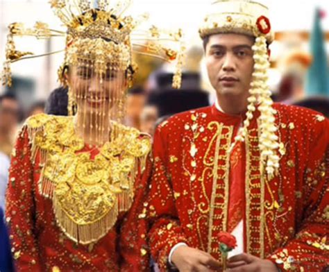 top  traditional wedding dresses   countries