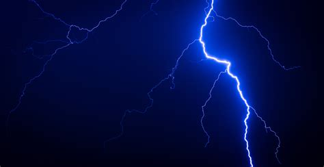 wallpaper lightning thunderstorm blue night