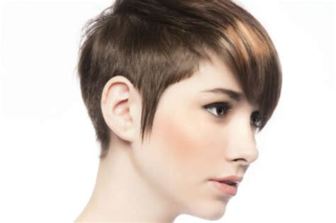 35 Short Haircuts For Women Does Short Hair Make You Look Thinner Or Fatter Naturally Curly Hairstyles With Fringe How To Dye Your From Black Dark Brown Hairstyle For Attending A Wedding Anime Boy Red And Blue Eyes 50 Year Old Fine Haircuts Losing Nice Long