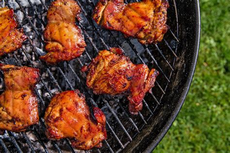 Charcoal Or Gas? Depends On What You're Grilling
