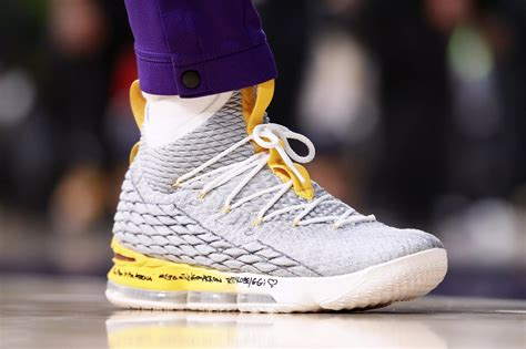 lebron james  planning  debut   lakers colorway