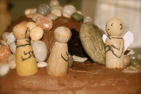 empty tomb cake