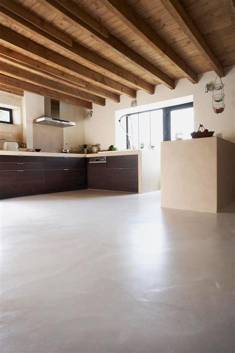 microcemento alisado cemento pulido suelo continuo