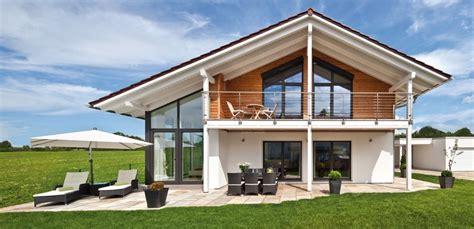 Moderne Häuser Mit Krüppelwalmdach by Hausbau Im Landhaustil 5 Perfekte Eindr 252 Cke Vom Regnauer