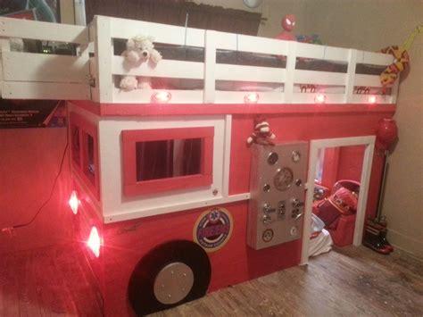 chambre garcon pompier lit pompier enfant